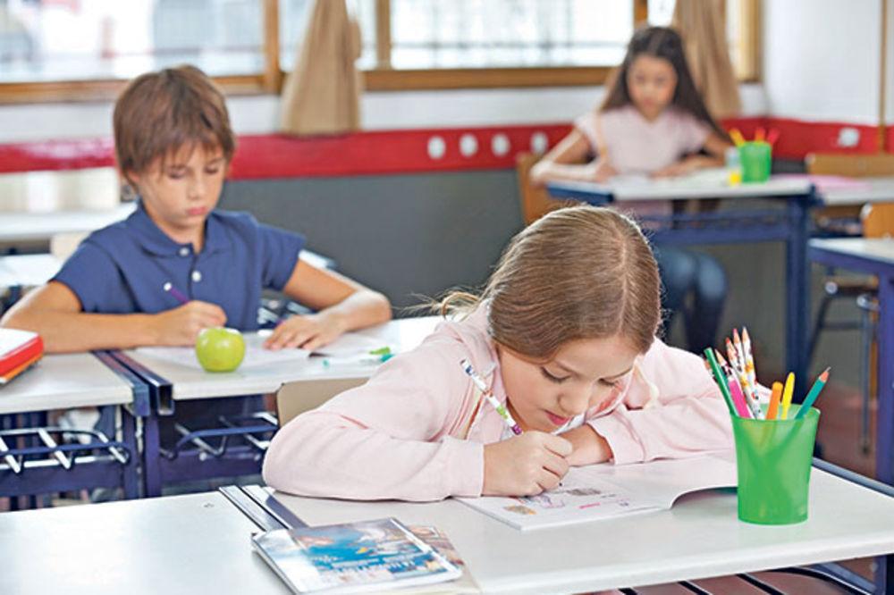 POTPISANI SPORAZUMI SA VISOKOŠKOLSKIM USTANOVAMA Vulin: Besplatno školovanje za decu palih boraca