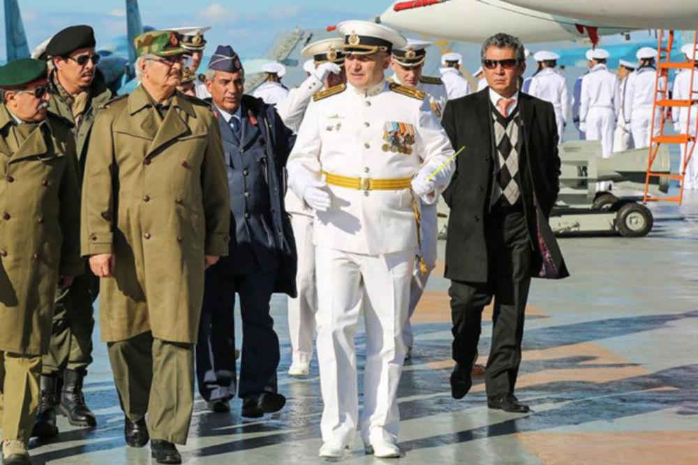 Foto: General Kalifa Haftar u poseti nosaču aviona Admiral Kuznjecov; Autor: Profimedia