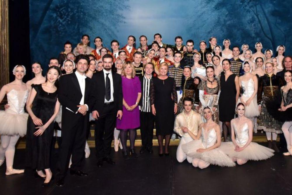 KOLINDA OPET ŠOKIRA: Izašla na binu i preotela baletsku premijeru