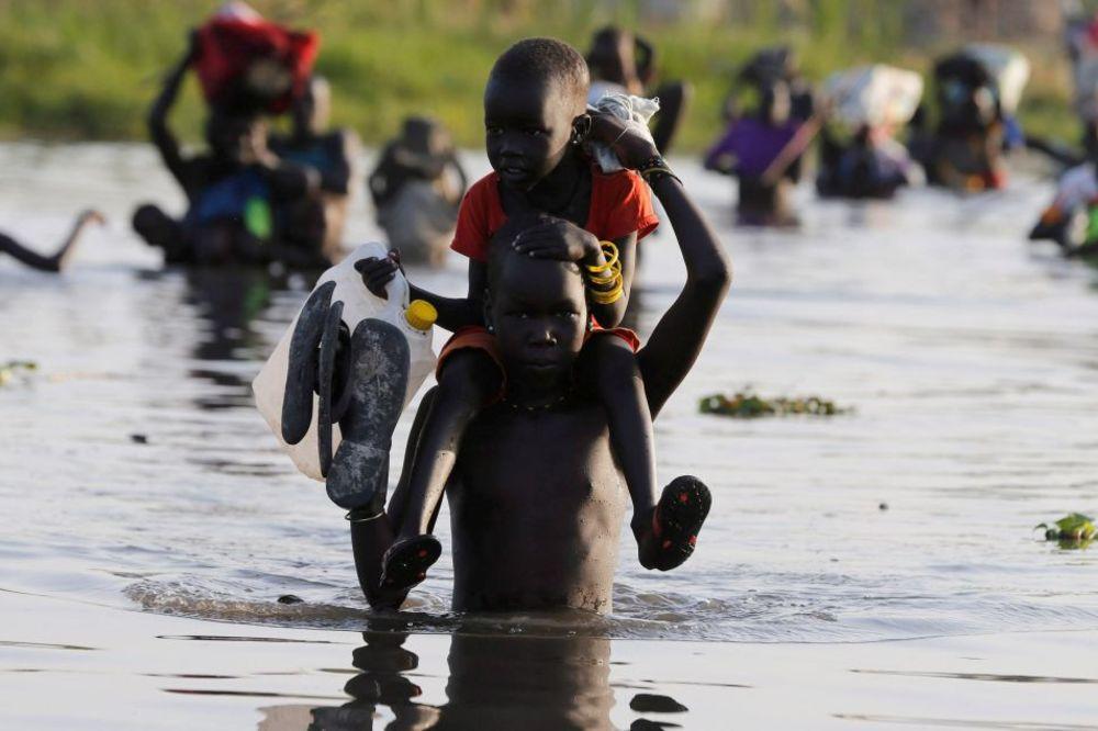 (FOTO) NAROD KOG USKORO NEĆE BITI: Ovu zemlju je za samo 8 meseci napustilo 1.6 MILIONA LJUDI!
