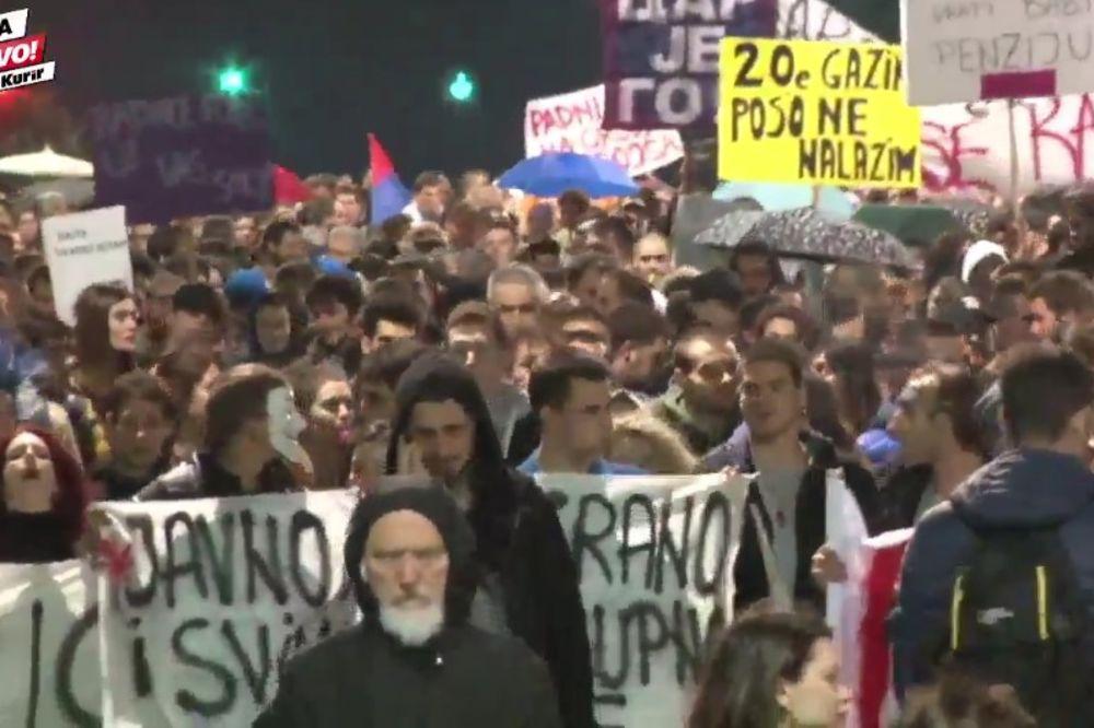 PROTEST, 16. DAN: Studenti i građani stigli ponovo pred Skupštinu, završena šetnja