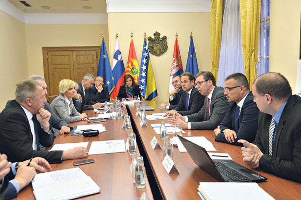 VUČIĆ: Neću dati da Srbiju pogodi kriza Agrokora