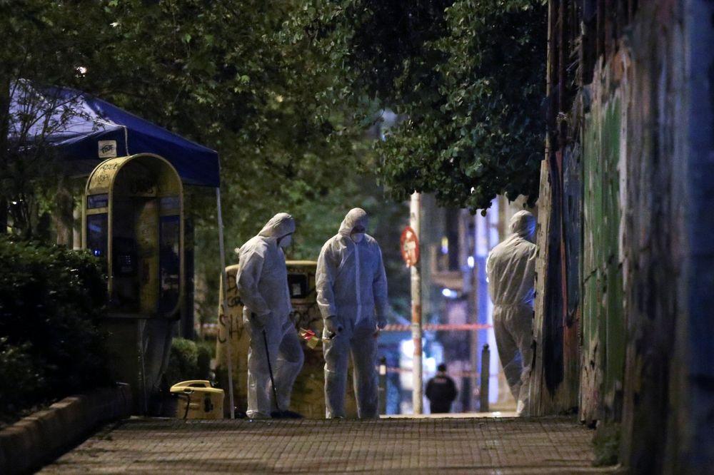 EKSPLOZIJA U CENTRU ATINE: Ostavili bombu ispred banke, pa javili novinarima! Grad bio pod opsadom