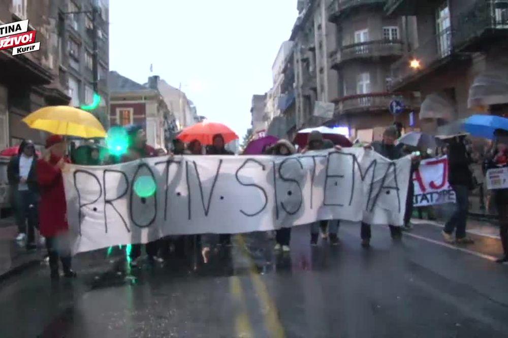(VIDEO) INCIDENT NA PROTESTNOJ ŠETNJI Pogledajte kako su demonstrante gađali glavicama kupusa