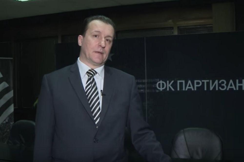 (VIDEO) EVI, LEO, ICI, MICI: Evo kako je novinar Partizanove televizije izvređao Zvezdine strance