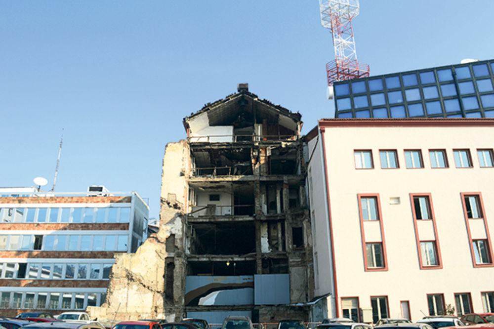 PORODICE POGINULIH OD NATO BOMBI KIVNE: Pravda za radnike RTS tek na sudu u Strazburu