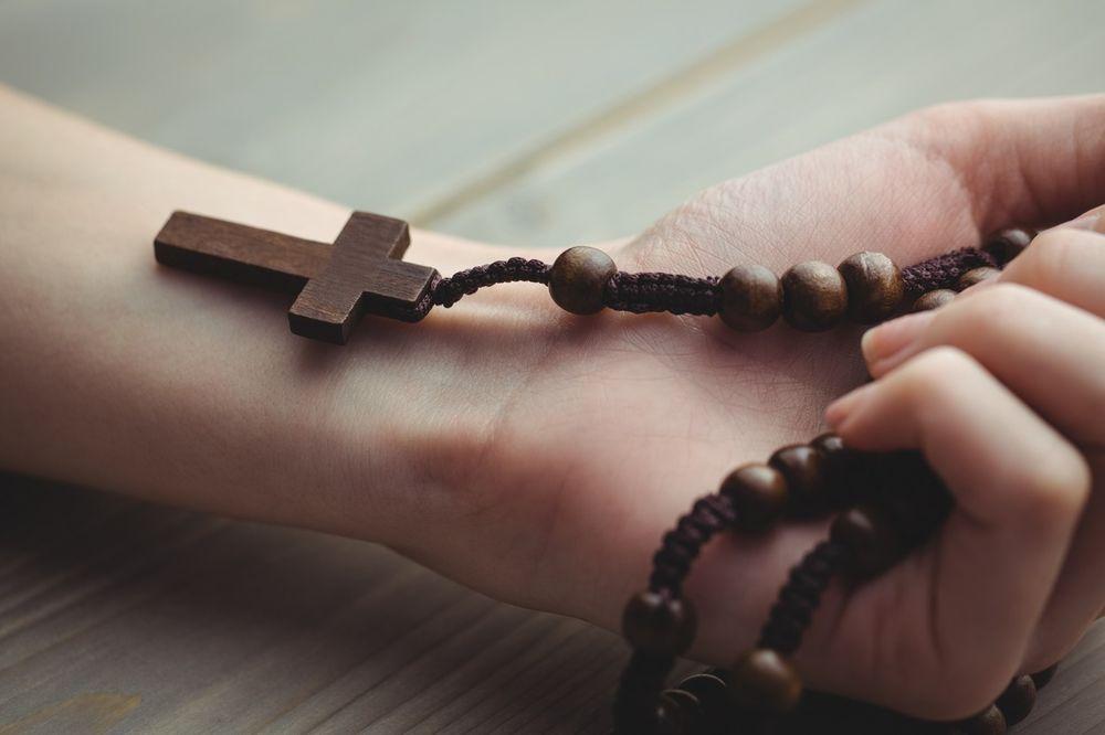 (VIDEO) OVO JE NAJMOĆNIJA MOLITVA KOJA POSTOJI: Ona je srž i zenica pravoslavlja! NAUČITE OBAVEZNO!