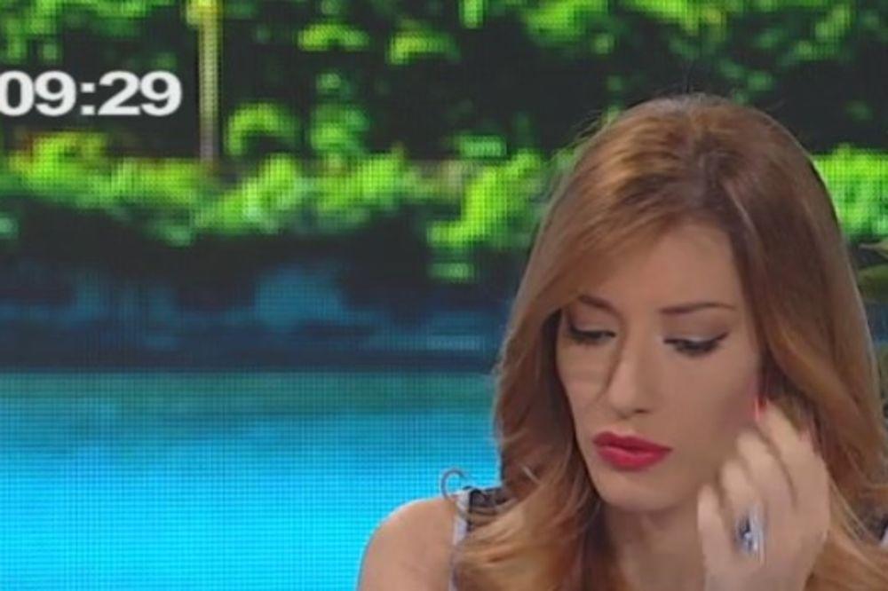 (FOTO) NEMA JUTRA BEZ JOVANE: Srpska voditeljka čeka BLIZANCE, vratila se na posao, evo kako izgleda