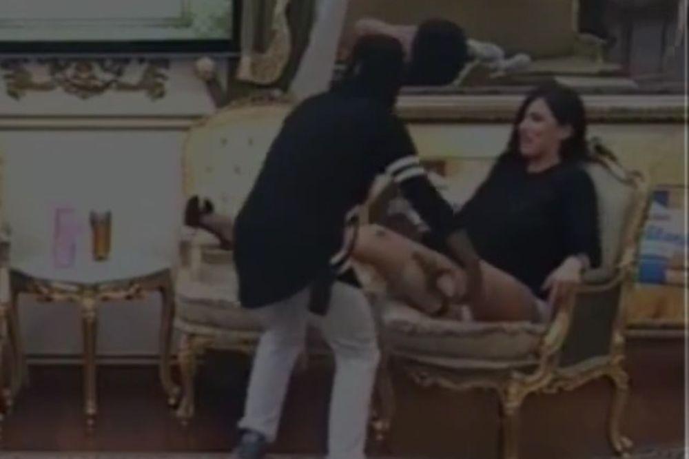 (VIDEO 18+) CRNAC NAVALIO NA ALEKSANDRU SUBOTIĆ: Raširila je noge, a onda je počela da UZDIŠE!