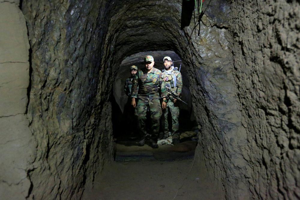 Preživeli majku svih bombi... Tuneli u Avganistanu koje koriste džihadisti ostali netaknuti (Foto Rojters)