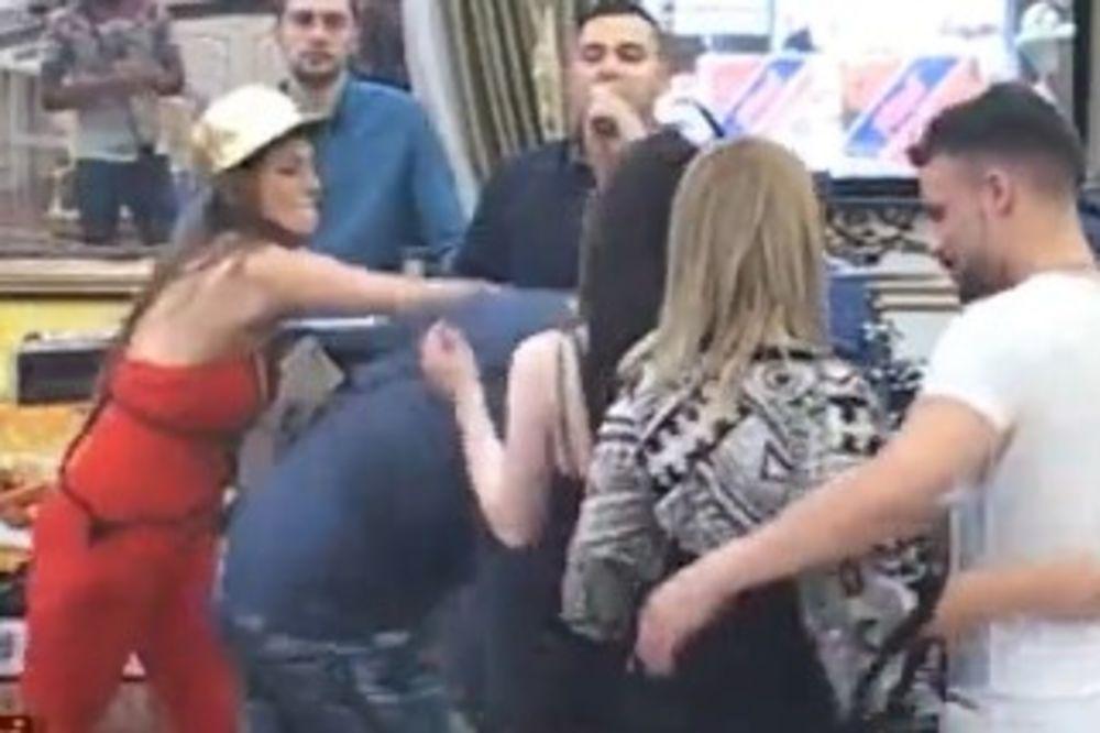 (VIDEO) TUČA U PAROVIMA: Dalila PESNICOM RAZVALILA Ploću! Nije mogao da se digne!