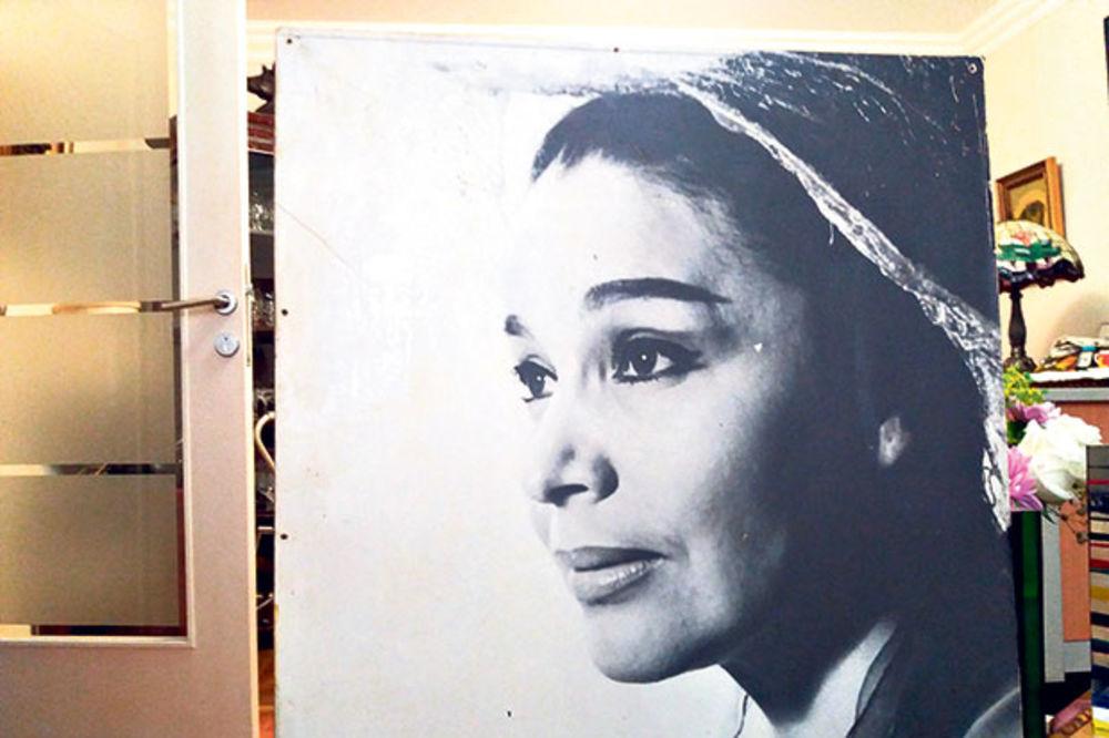 Jedini portret... Dara je u mladosti bila jedna od najlepših glumica