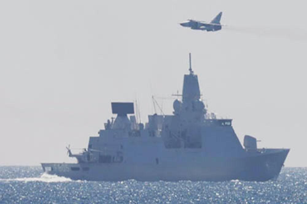 PUTINOVI SUHOJI IZAZVALI PANIKU NA BALTIKU –  Prestravili holandsku fregatu! VIDEO