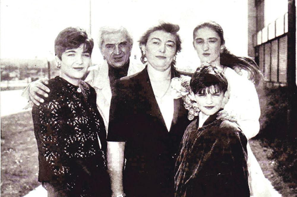 Tragedija ili teorija zavere... Dafina Milanović s porodicom
