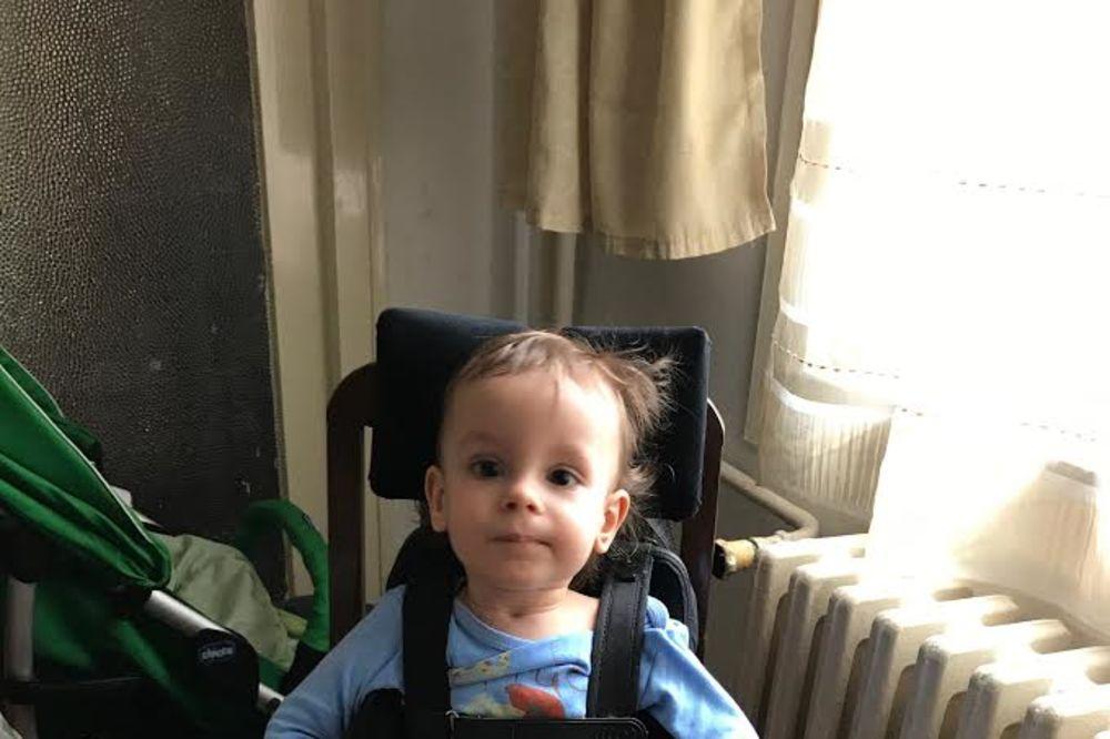 POMOZIMO MALOM MATIJI: Na rođenju je dobio 10, a onda se pojavila bolest mišića...