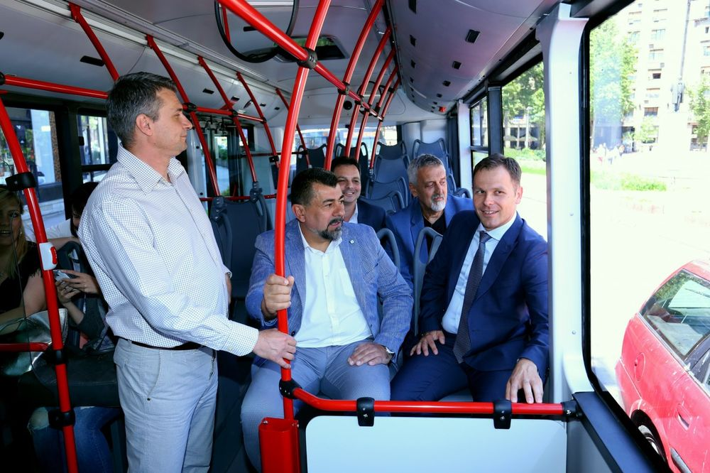 (FOTO) IMAJU KLIMU I INTERNET: Beograd dobio još 10 novih autobusa