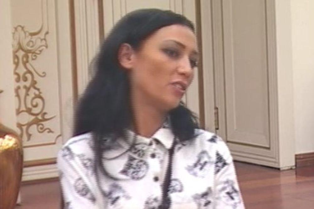 SKRNAVILA SRPSKU ZASTAVU, PA POPILA ŠUT KARTU: Isplivao snimak zbog kog je Zorana izbačena iz Parova
