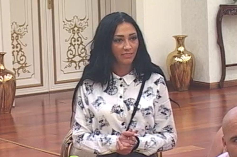 TAKO RADI SRPSKA TELEVIZIJA: Zorana izbačena iz Parova zbog skrnavljenja srpske zastave!