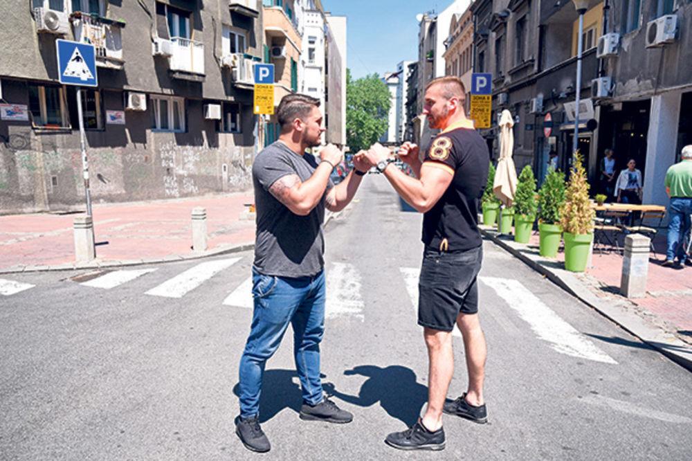 (KURIR TV) SPAVAŠ LI MIRNO, DŽOŠUA ENTONI: Šampion Srbije u boksu zaustavio saobraćaj