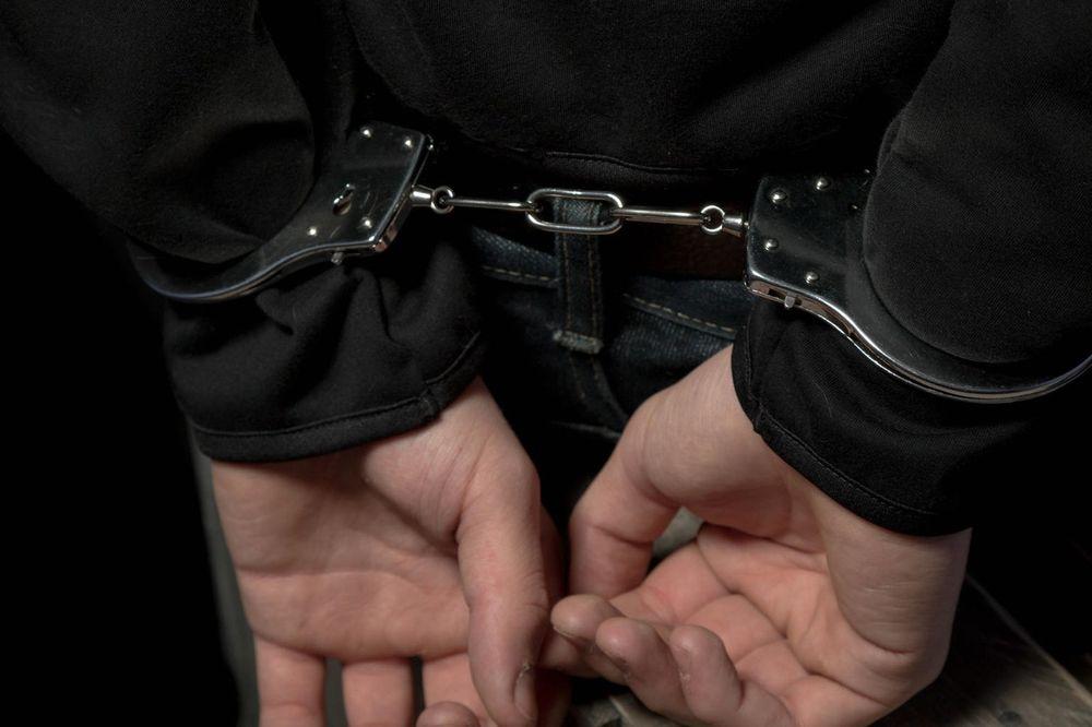 OBEĆAO DA ĆE DA IM KUPI SLADOLED: Uhapšen Crnogorac koji je namamio devojčice pored škole
