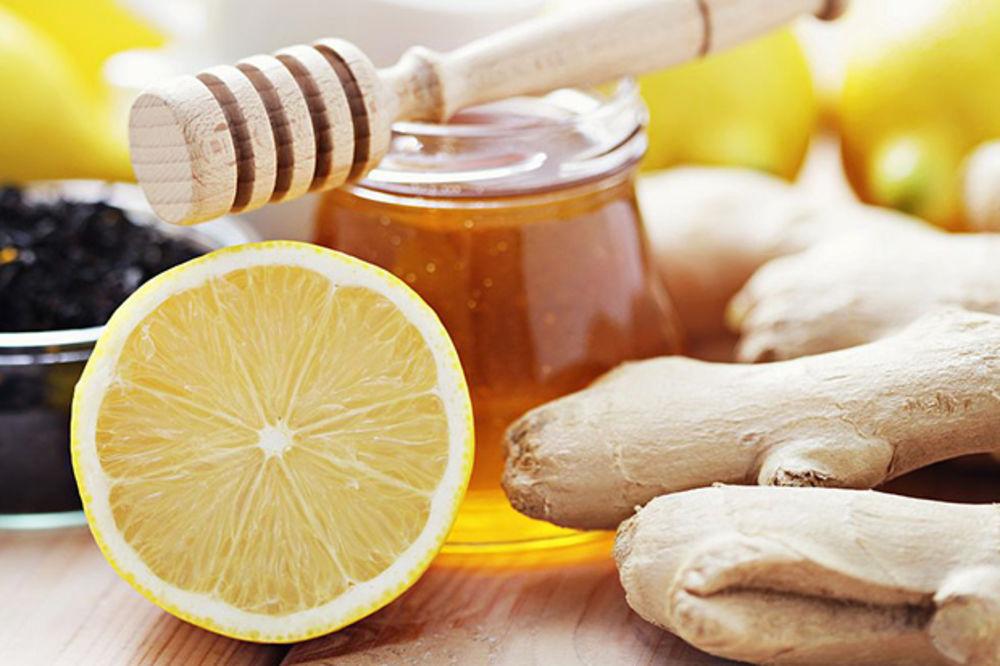 OVO JE LEKOVITA KOCKA: Evo zašto treba da zaledite đumbir, med i limun zajedno