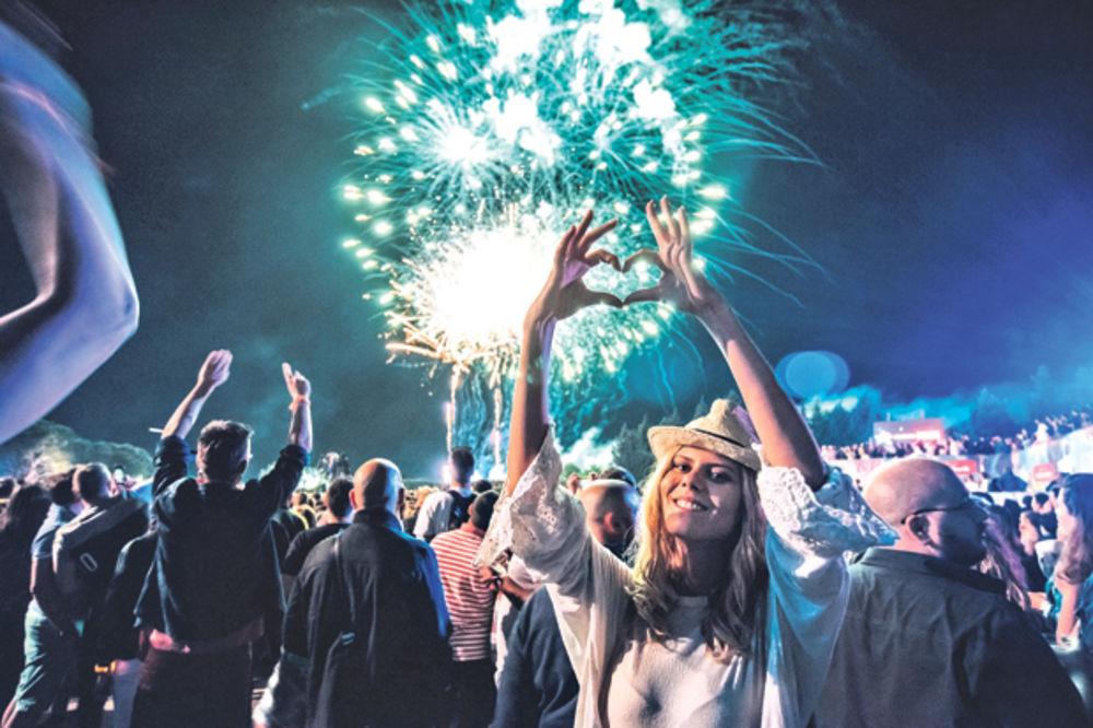 zurka-fetboj-slima-za-kraj-spektakularni-vatromet-na-zatvaranju-festivala-sea-star