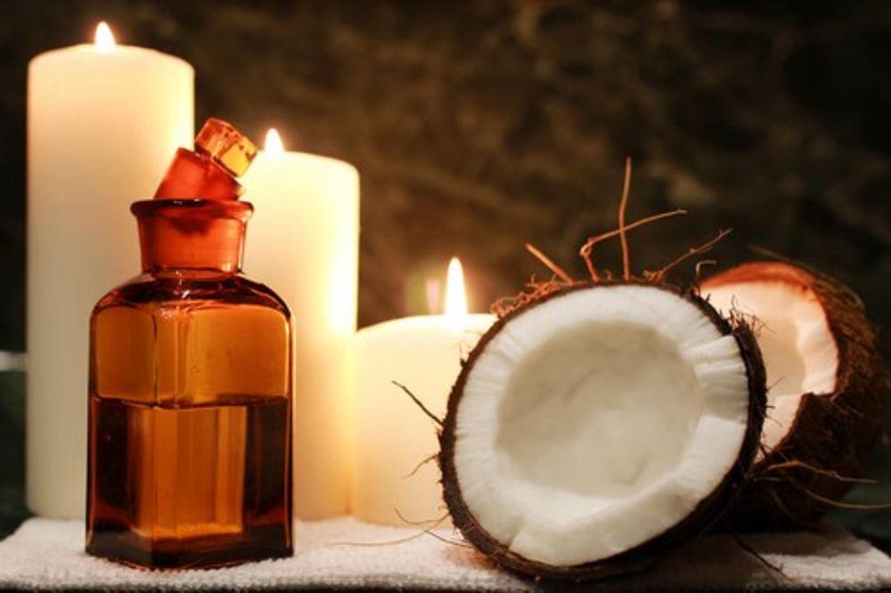 OD DAVNINA ČINI ČUDA ZA LEPOTU: Isprobajte kokosovo ulje na 7 načina!