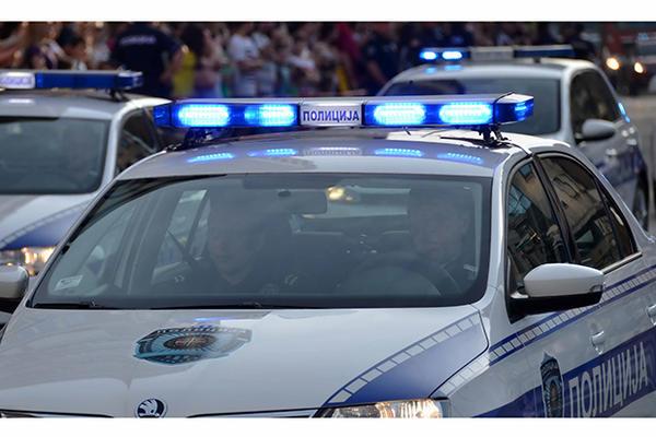 NOĆNA KONTROLA POLICIJE U NOVOM PAZARU: U lokalu pronašli pištolj i municiju