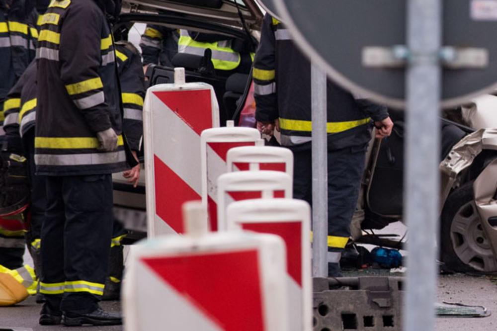 TEŠKA NOĆ U NIŠU: 6 povređenih u udesu u centru grada, među njima i dvoje dece
