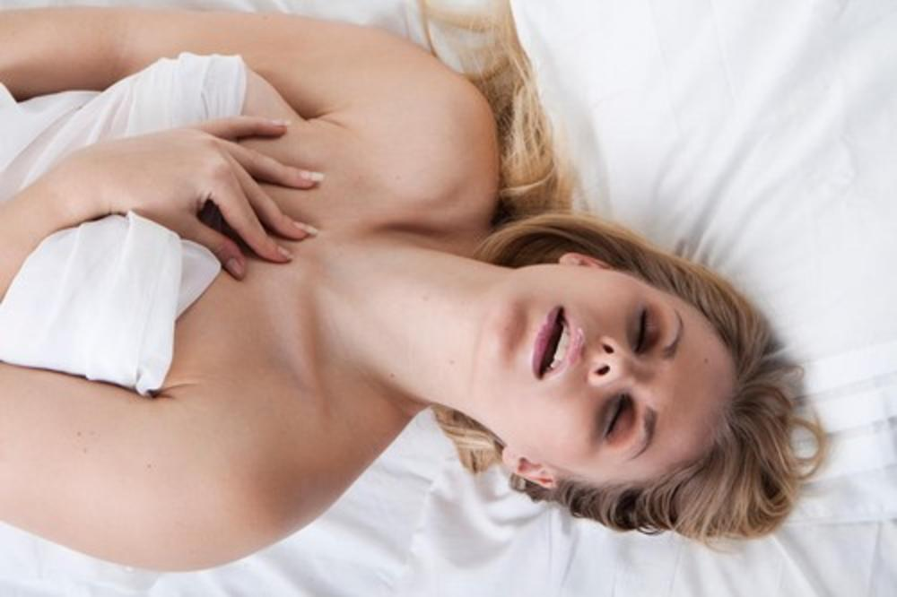 ISTRAŽIVANJE OTKRILO: Zašto žene glasno uzdišu za vreme VOĐENJA LJUBAVI?