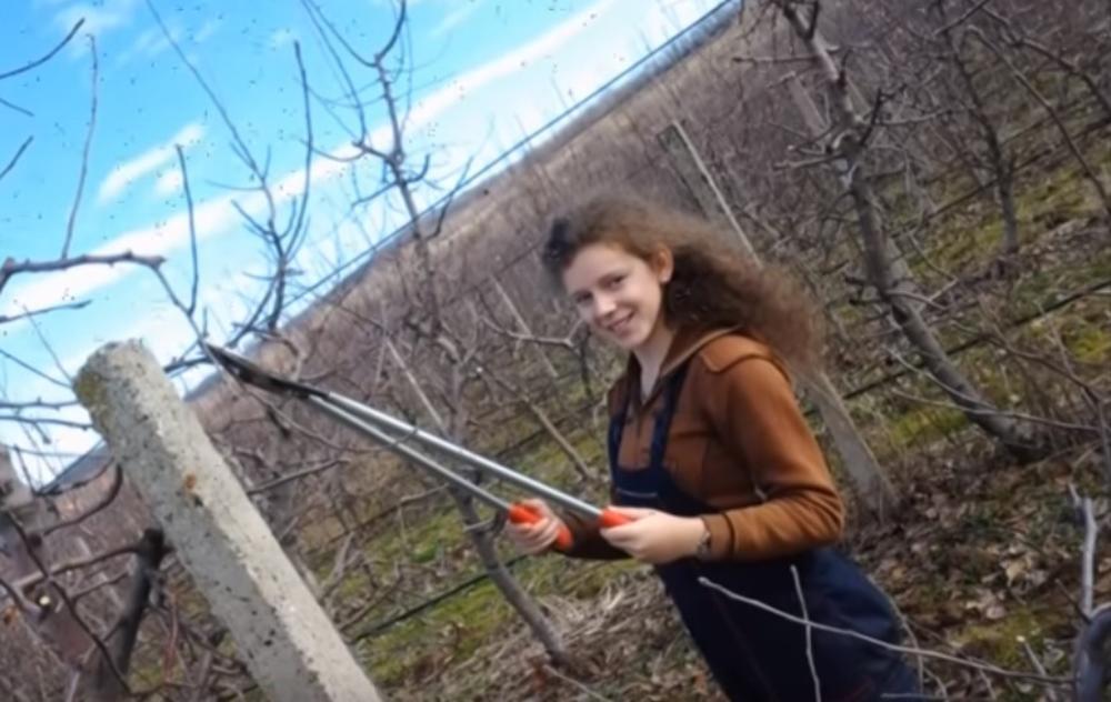 (ВИДЕО) ГОВОР МИЛИЦЕ СА ОПЛЕНЦА УЗДРМАО СРБИЈУ: Не дам да моје село умре! Вратићу се! Нећу да живим на асфалту!