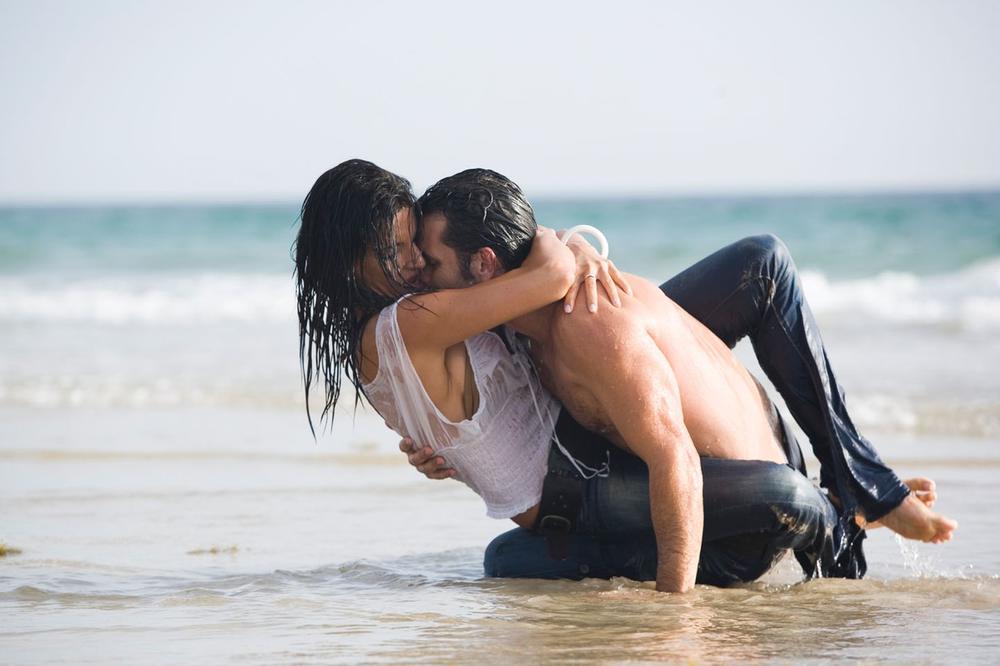 RAZLOG JE LOGIČAN: Jun je najbolji mesec za seks, evo zbog čega...