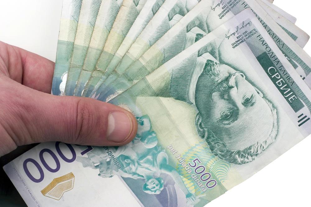 KURŠUMLIJA: Najboljim studentima po 40.000 dinara!