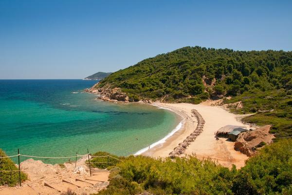 NE KREĆITE NA SKIJATOS SA PLASTIČNIM KESAMA – Na ovom grčkom ostrvu čeka vas velika promena!