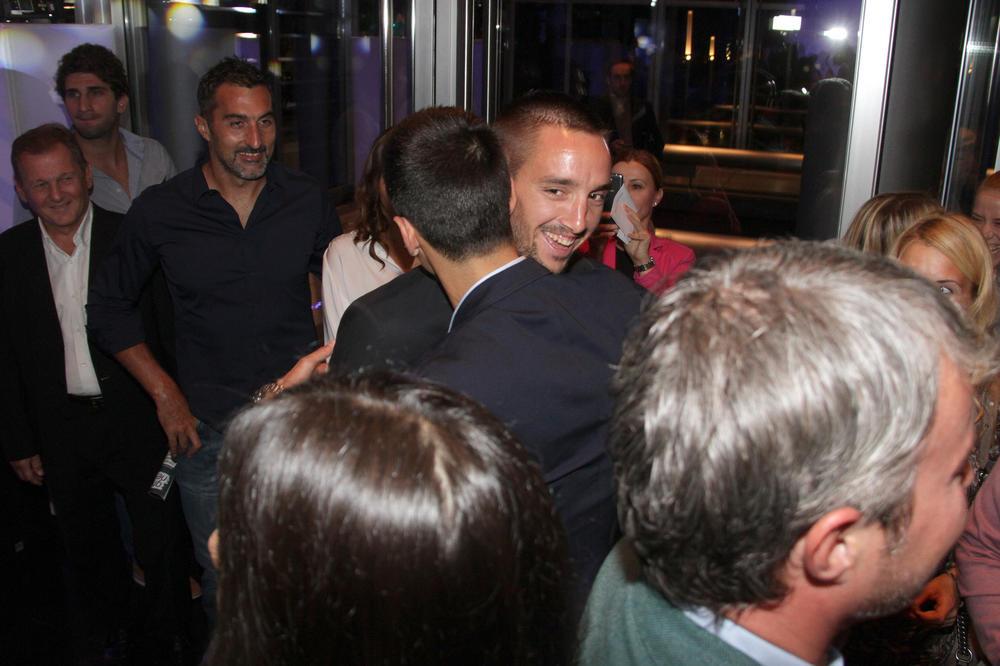 DVOSTRUKO SLAVLJE: Posle Jeleninog rođendana Novak otišao kod Viktora na žurku i ludo se proveo