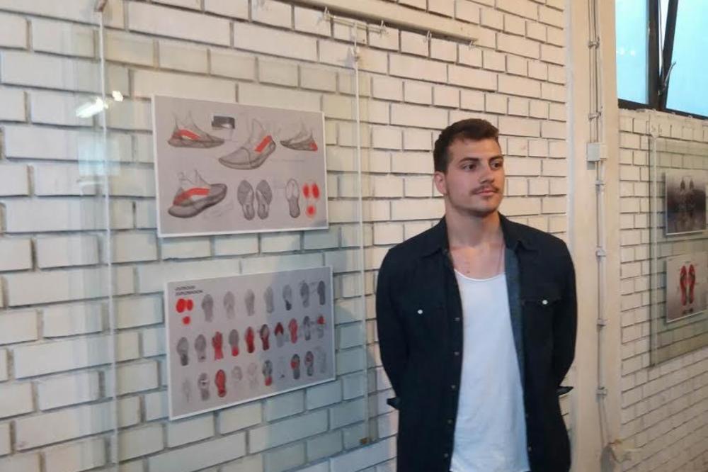 (FOTO) MLADI VRANJANAC OSMISLIO OBUĆU ZA BUDUĆNOST: San mi je da jednog dana obujem patike koje sam dizajnirao