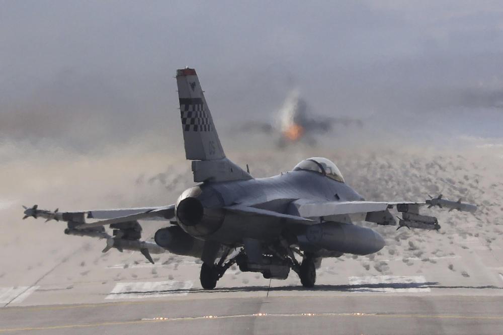 ZAOŠTRAVA SE U SIRIJI: Amerikanci sklanjaju svoje avione, nakon varnica sa Rusijom