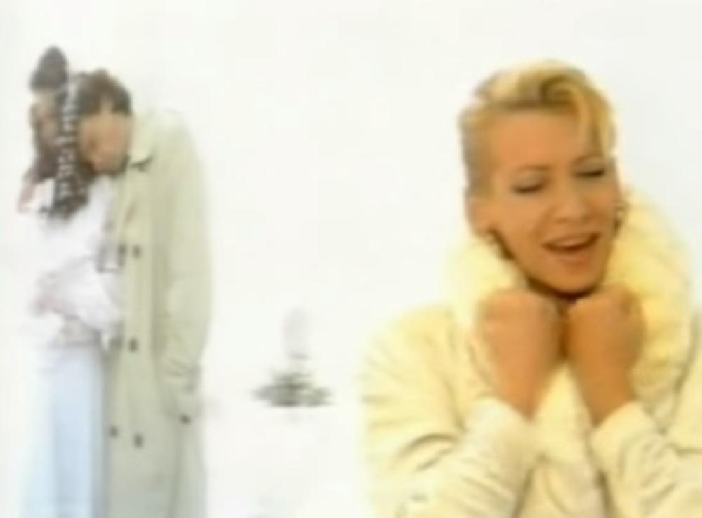 (VIDEO) SRCE ĆE VAM PUĆI OD TUGE: Svi pevate ovu pesmu, a evo čiji su to svatovi bili!