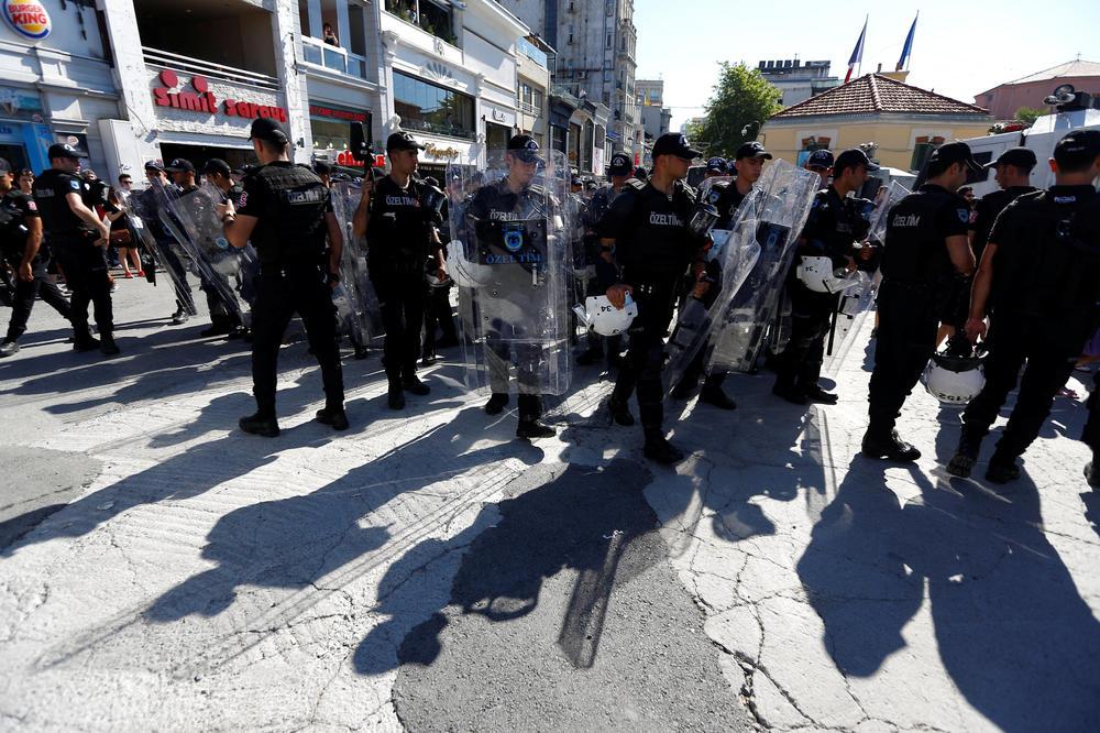 NASTAVLJA SE ČISTKA: Vanredno stanje u Turskoj produženo za još tri meseca
