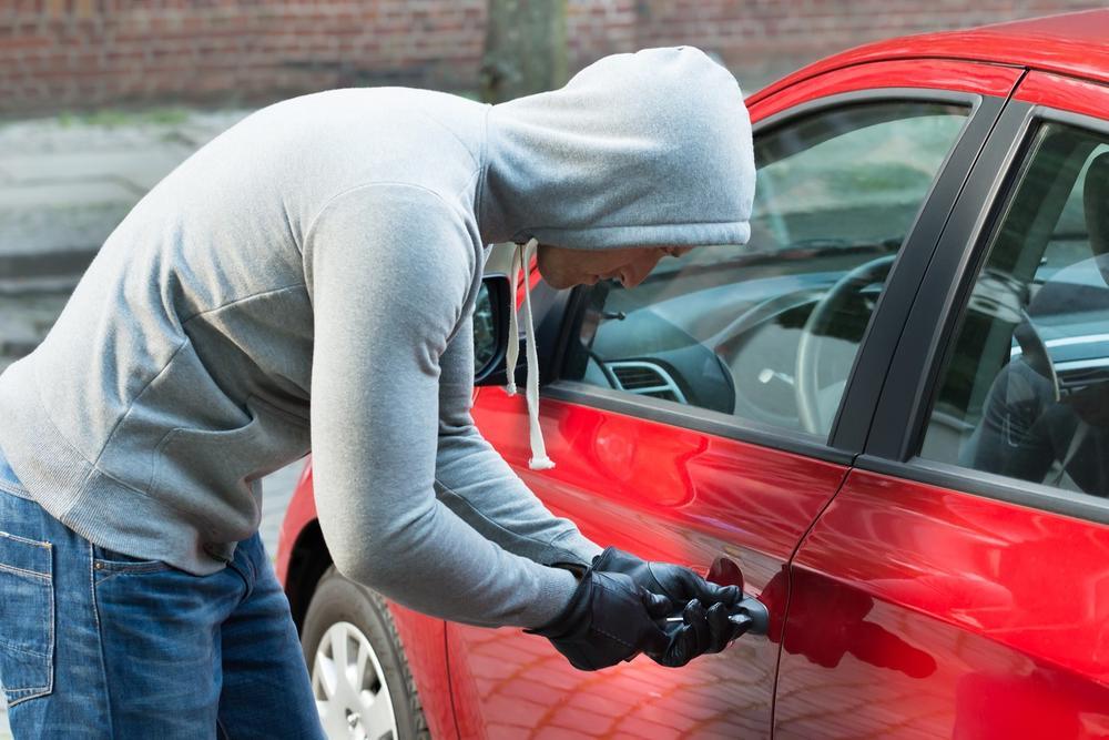 Угнали машину для женщин толкуется немного иначе, чем для мужчин.