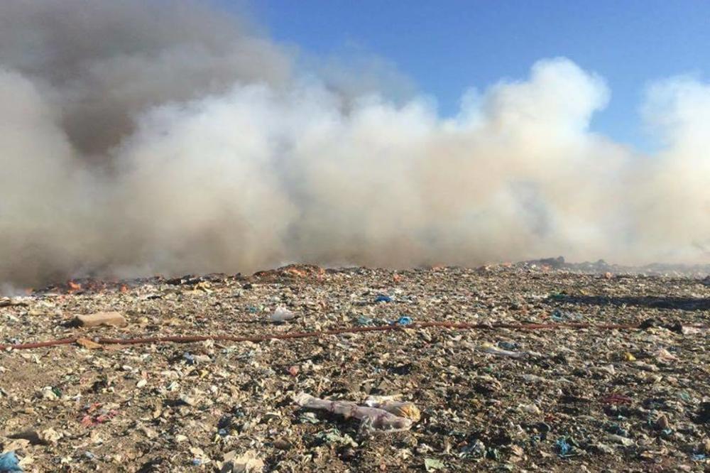 NOVI POŽAR NA DEPONIJI: Ugašena vatra u Novom Sadu, ali sad gori u Temerinu