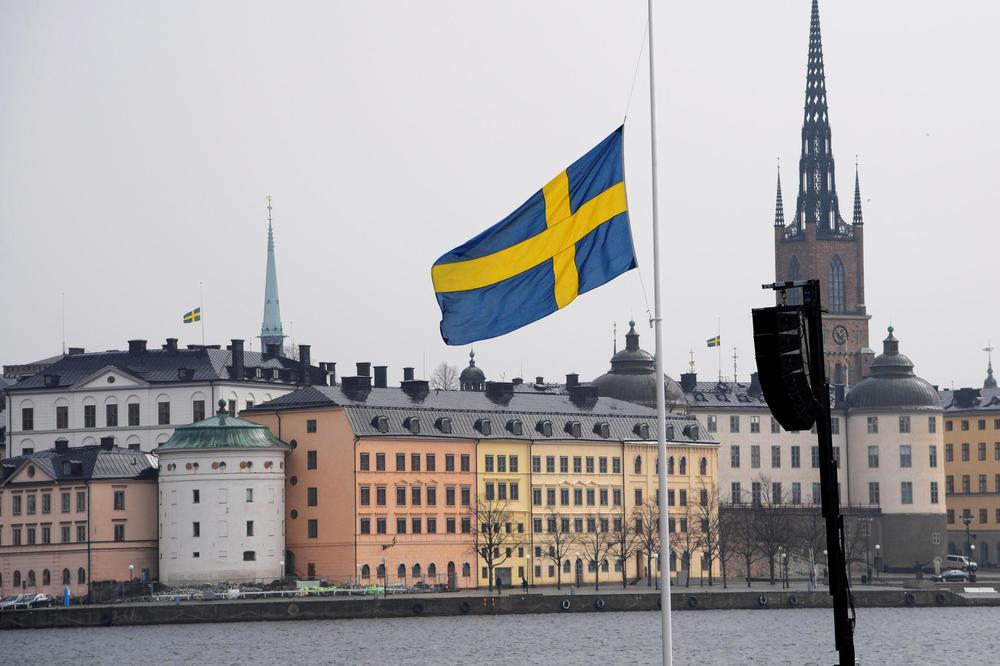 BOLJE JE DA ZNATE ISTINU: Srbin bez dlake na jeziku progovorio o stvarnom životu u Švedskoj!