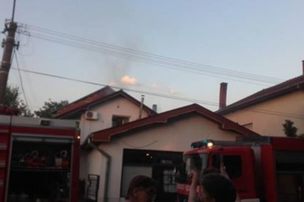 VRUĆINA ZAPALILA KROVOVE U LESKOVCU: Vatra podigla na noge celo naselje