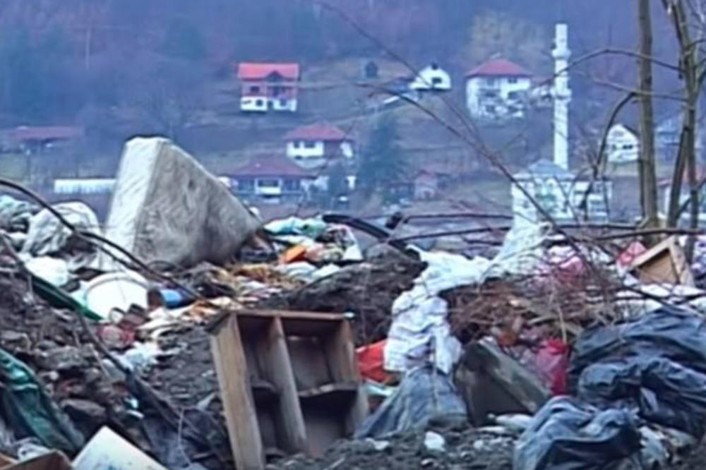 NA POMOLU NOVA EKOLOŠKA KATASTROFA: Gori deponija kod Prijepolja, dim stigao do centra grada!
