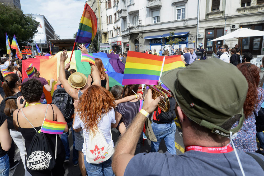 PRIPREME ZA OVOGODIŠNJI PRAJD Organizatori: Na beogradskoj Paradi ponosa 2000 učesnika i moguć manji broj policajaca