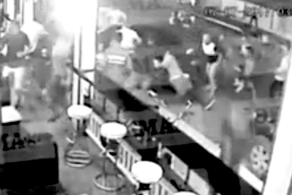 SRBIN UHAPŠEN NA ZAKINTOSU PONOVO PRED SUDOM: Svi pričaju da je pripadnik obezbeđenja u tuči koristio metalni bokser