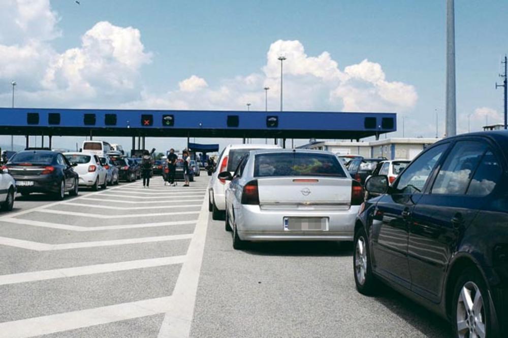 GUŽVE NA SVIM GRANICAMA! Na ulaz u Bugarsku čekalo se dva sata