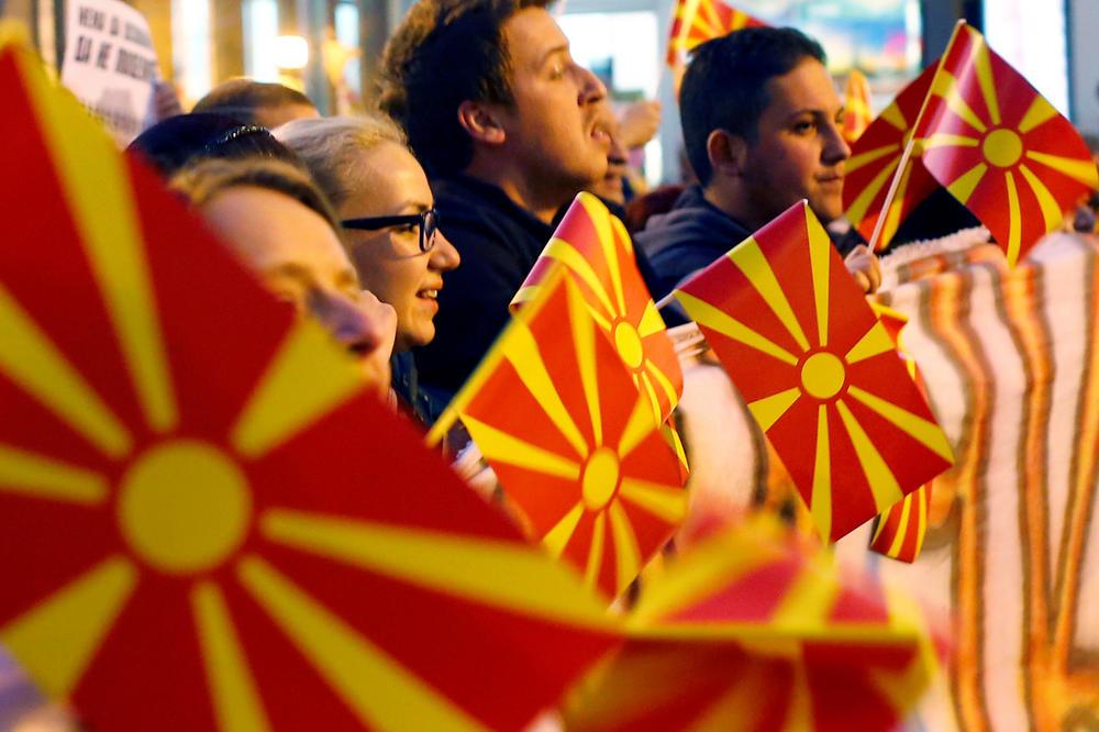 PREGOVORI SU NAGLO UBRZANI: Pitanje imena Makedonije i njenog ulaska u NATO biće rešeno na jesen?