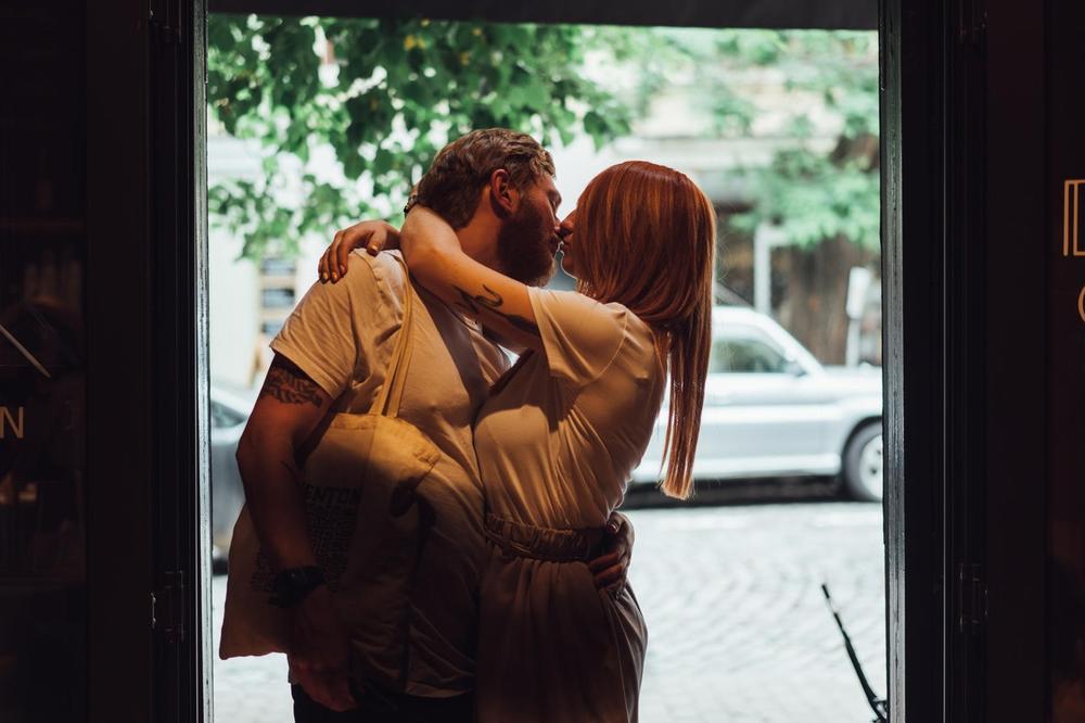NISTE SIGURNI DA LI STE VEZA ILI KOMBINACIJA: Proverite, možda je vaš odnos - situationship!