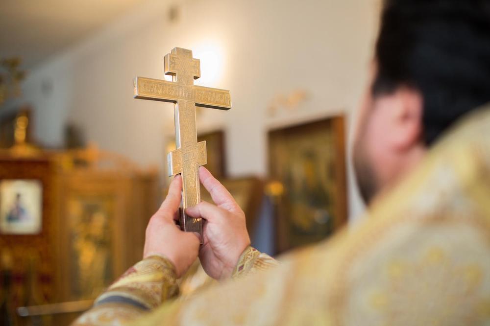 PROMENIO VERU ZBOG SRPKINJE: Krstio se u Čačku, dobio ime Sava, pa oženio našu Juliju!